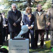 Fabrizia Di Lorenzo: a tre anni dalla scomparsa, inaugurato il monumento a lei dedicato