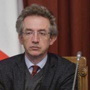 Il neo-ministro e la sua perizia sotto inchiesta. Gaetano Manfredi è fra gli imputati per il crollo dei balconi del post terremoto aquilano