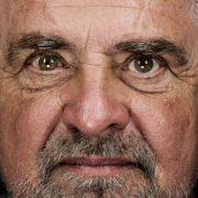 """Dalla catastrofe alla rinascita. Beppe Grillo: """"É arrivato il Momento del Reddito Universale"""""""