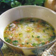 In cucina con Ovidio. Diciannovesima ricetta: minestra di riso, sedano e patate