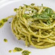 In cucina con Ovidio. Ventiquattresima ricetta: bucatini e zucchine al forno
