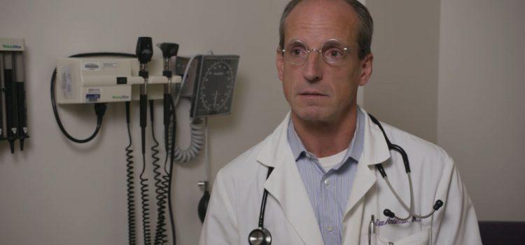 """Buisiness Covid: """"iniziare subito anche i test sui bambini"""". Assist per le case farmaceutiche dai pediatri USA"""
