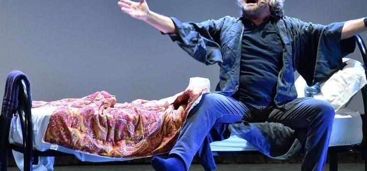 Fine di Beppe Grillo: il M5S perde la testa ma sopravvive con Conte